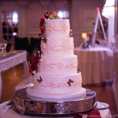 Red Roses and Sweet Butterflies Wedding Cake