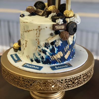 Navy, Gold and Candies Cake